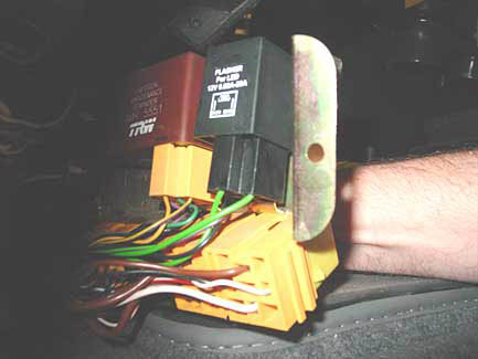 land rover defender puma fuse box location
